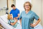 Krankenhaus Hebamme mit Geburtshilfe